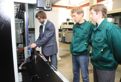 Авиамашиностроители ИрГТУ осваивают оборудование HAIMER для зажима инструмента в термоусадочные патроны