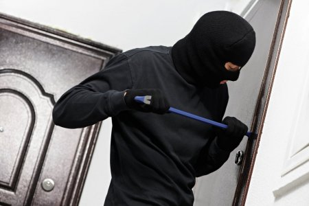 В Усолье-Сибирском сотрудники полиции раскрыли квартирную кражу