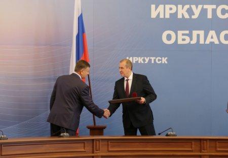 Губернатор Сергей Левченко вручил государственные награды Российской Федерации жителям Иркутской области