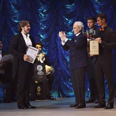 Солист Иркутского музтеатра стал обладателем Гран-При Международного конкурса теноров