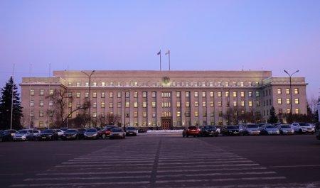 Губернатор внес проект областного бюджета 2019-2021 годов в Законодательное собрание