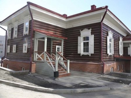 Два дома-памятника отреставрируют в Иркутске до конца года
