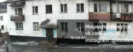 В Усть-Куте подросток чуть не пострадал от упавшего с крыши снега