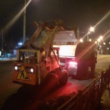 С улиц Иркутска за ночь вывезено более 70 тонн снега