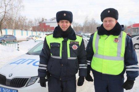 В Мордовии сотрудники Госавтоинспекции помогли при тушении пожара