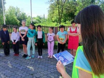 В Липецкой области юные инспекторы информируют младших товарищей о правильном поведении на пешеходных переходах