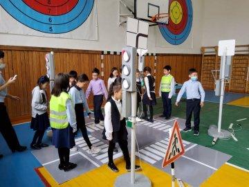 Челленджи, курсы повышения квалификации, встречи с родителями, уроки для детей проходят в рамках Недели безопасности в Якутии